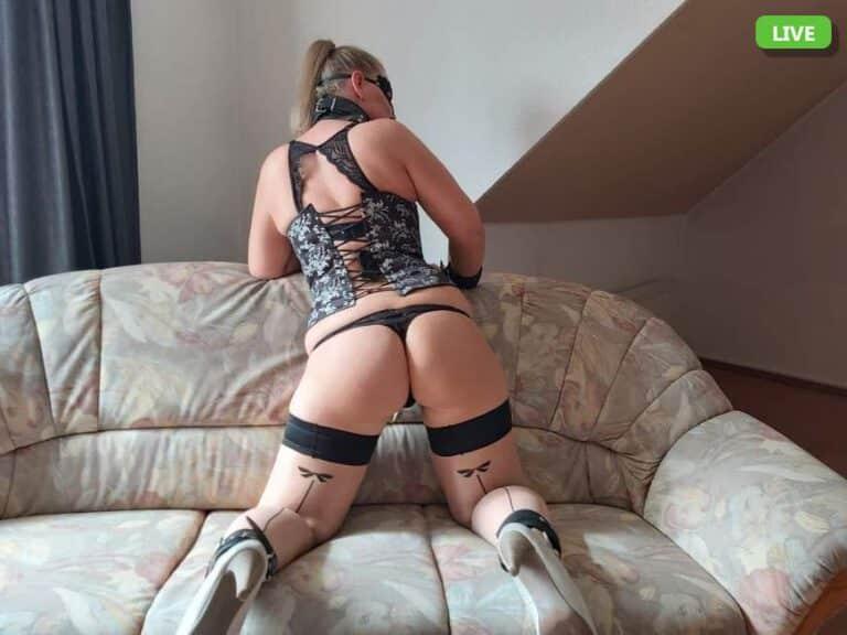 Sexy Ärsche vor der Live Sex Cam