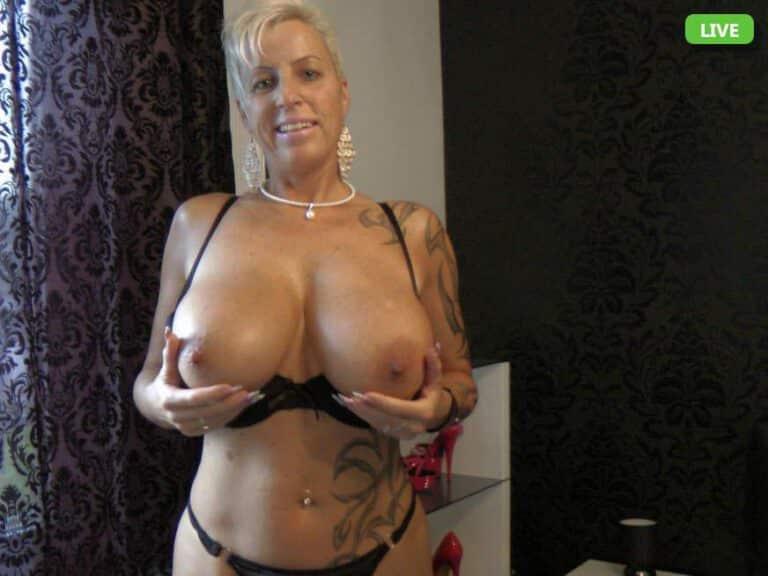Deutsche Hausfrauen mit fetten Titten